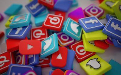 pila-3d-populares-social-media-logos_1379-881